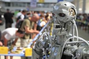 """Brytyjczycy sprawdzą, czy grozi nam scenariusz z filmu """"Terminator"""""""