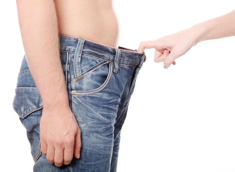 Brytyjska dziennikarka zajrzała do spodni swojego chłopaka. Oburzyło ją to, co tam zobaczyła /©123RF/PICSEL
