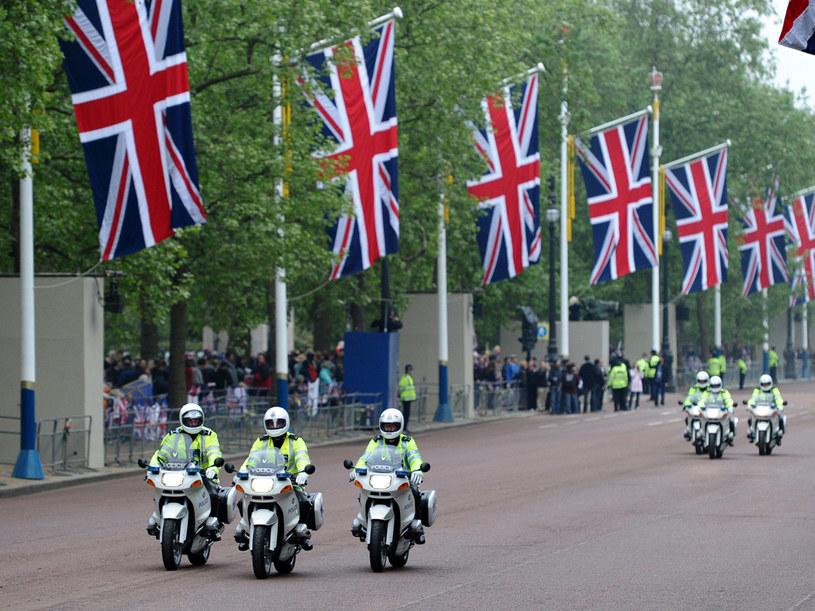 Brytyjska metropolia żyje ślubem wnuka Elżbiety II  /AFP