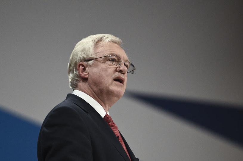 Brytyjski minister ds. wyjścia z UE David Davis /AFP