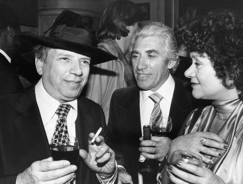 Brytyjski pisarz George Melly, aktor Frank Finlay oraz Joan Plowright - 1979 rok /Evening Standard /Getty Images