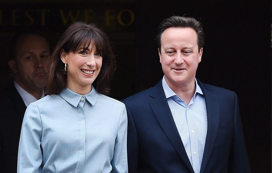 Brytyjski premier razem z żoną /ANDY RAIN /PAP/EPA
