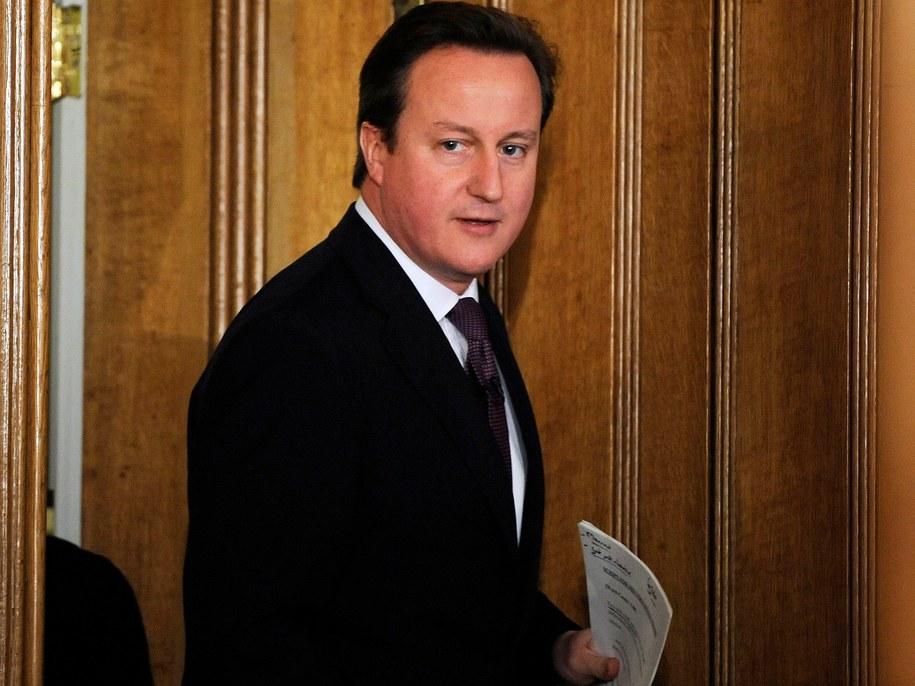 Brytyjski premier rozmawiał już telefonicznie z prezydentem Francji o wsparciu interwencji w Mali /FACUNDO ARRIZABALAGA /PAP/EPA