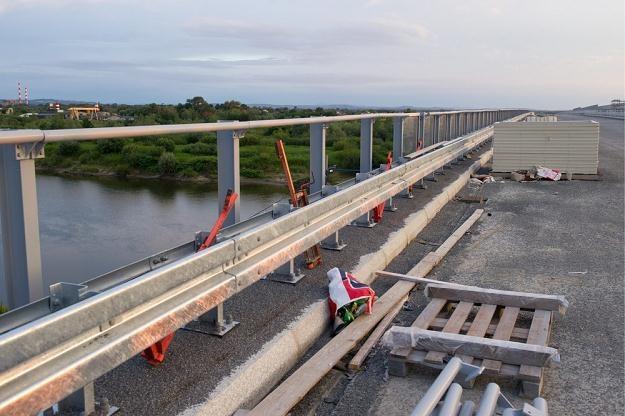 Budowa mostu na Dunajcu na A4 koło Tarnowa / Fot: Tadeusz Koniarz /Reporter