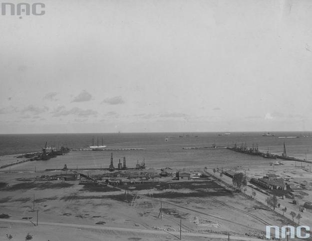 Budowa portu Marynarki Wojennej w Gdyni /Z archiwum Narodowego Archiwum Cyfrowego