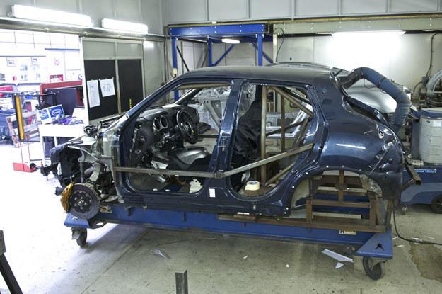 Budową zaprojektowanego przez Nissana juke-R zajmuje się firma RML /