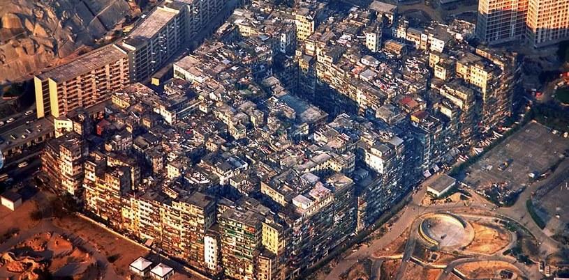 Budując miasto, nie myślano o regulacjach dot. zdrowia i bezpieczeństwa - materiał pochodzi z serwisu YouTube.com /materiały prasowe