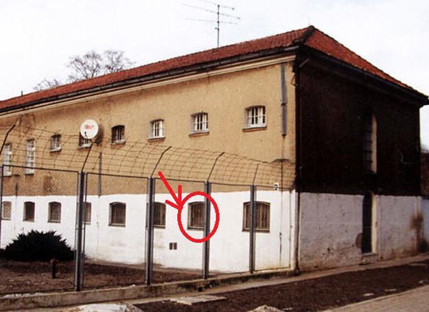 Budynek barczewskiego więzienia z nieistniejąca obecnie celą nr 12, w której przebywał Erich Koch /Archiwum autora