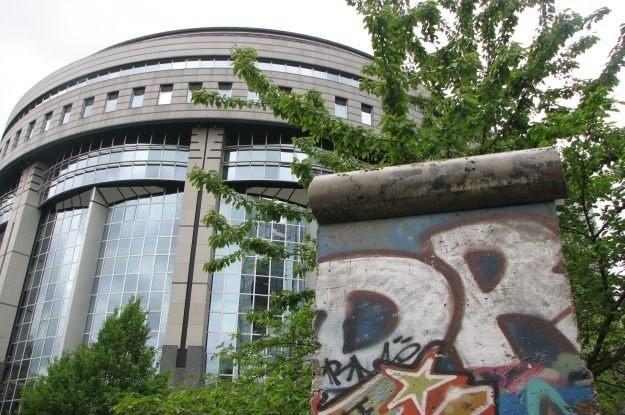 Budynek Parlamentu Europejskiego. Czy niektórzy europosłowie chcą powtórki z ACTA? /INTERIA.PL