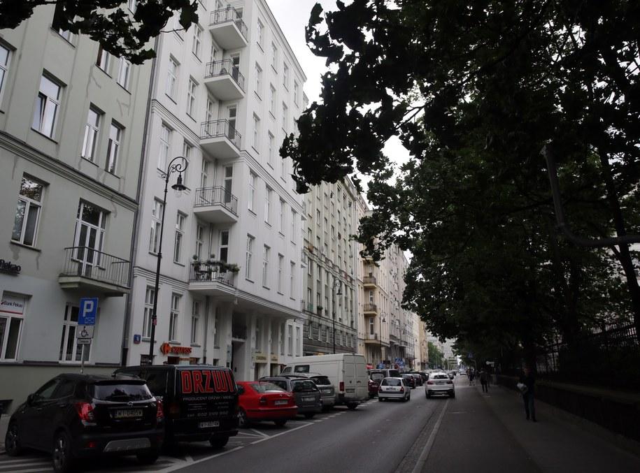 Budynek przy ulicy Noakowskiego 16 w Warszawie / Tomasz Gzell    /PAP