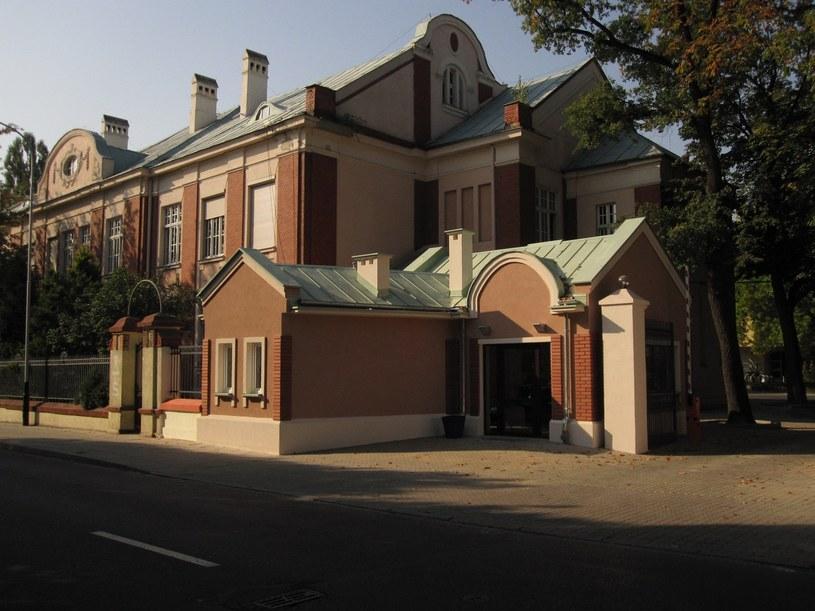 Budynek Szkoły Filmowej w Łodzi /Cezary Pecold / Agencja SE /East News