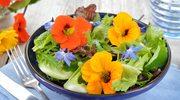 Bukiety na talerzu. Jak jeść kwiaty?