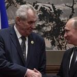 """Bulwersujący """"żart"""" prezydenta Czech w czasie rozmowy z prezydentem Rosji"""