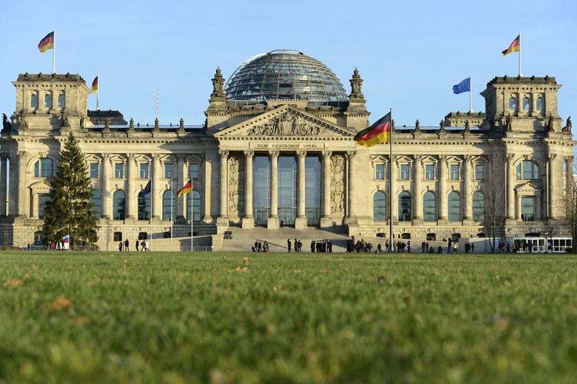 Bundestag ma w kolekcji około czterech tysięcy dzieł sztuki /AFP