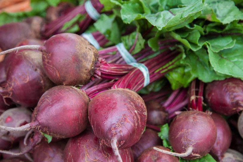 Buraki najlepiej jeść surowe lub kiszone – wysoka temperatura niszczy większość ich cennych składników /©123RF/PICSEL