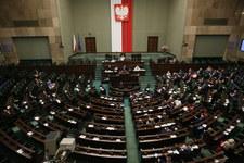 Burzliwa debata w Sejmie ws. projektów ustawy o TK