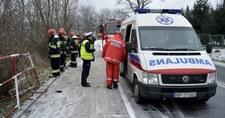 Bus z dziećmi uderzył w wiadukt kolejowy. Zginęła 10-latka