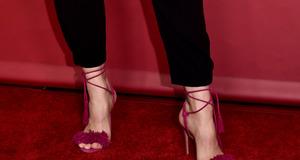 Buty z wiązaniami