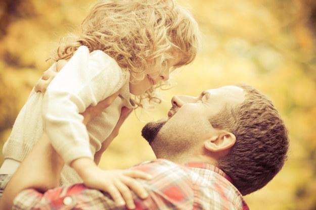 Bycie tatą to uczucie nieporównywalne z niczym innym /123/RF PICSEL