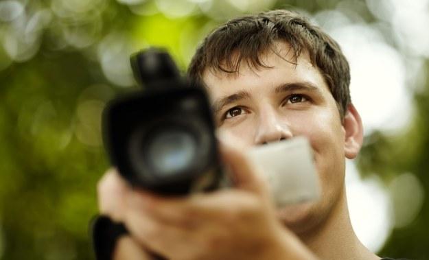 Bycie youtuberem, vlogerem, wideoblogerem (czy jak kto woli), na razie nie przyniesie fortuny, ale za kilkanaście miesięcy - będzie tylko lepiej /©123RF/PICSEL