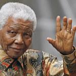 Była żona mówi, że Nelson Mandela oddycha normalnie