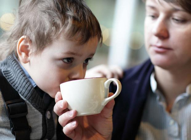 Byłam zbyt troskliwa dla mojego syna... /©123RF/PICSEL