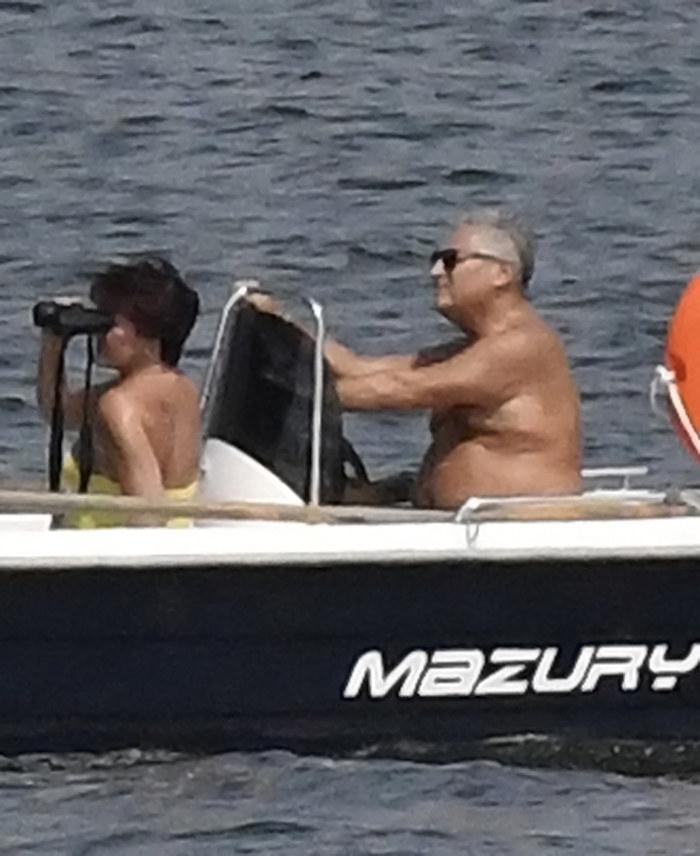 Były prezydent sterował łodzią, a małżonka podziwiała widoki! /BOGDAN HRYWNIAK/ /Newspix