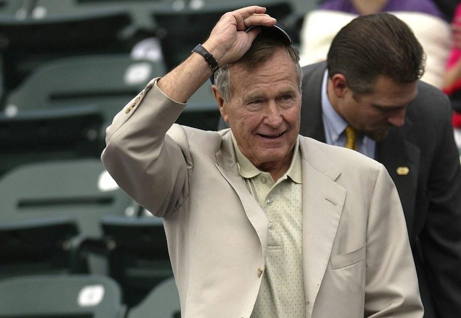 Były prezydent USA George H.W. Bush na zdjęciu zrobionym w listopadzie 2003 roku w Texasie /PAUL BUCK  /PAP/EPA