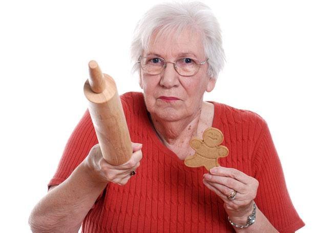 Bywa, że relacje z babcią czy dziadkiem nie układają się najlepiej /© Panthermedia