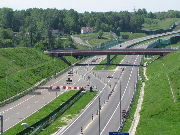Cała autostrada jest gotowa. Tylko most nie... /RMF