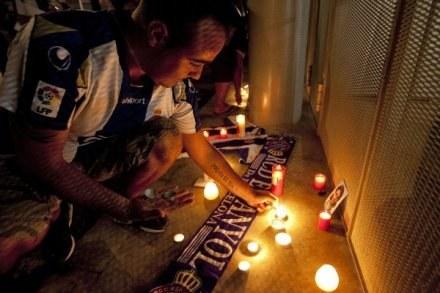 Cała Hiszpania jest w szoku po śmierci  kapitana Espanyolu Barcelona Daniel Jarque /AFP