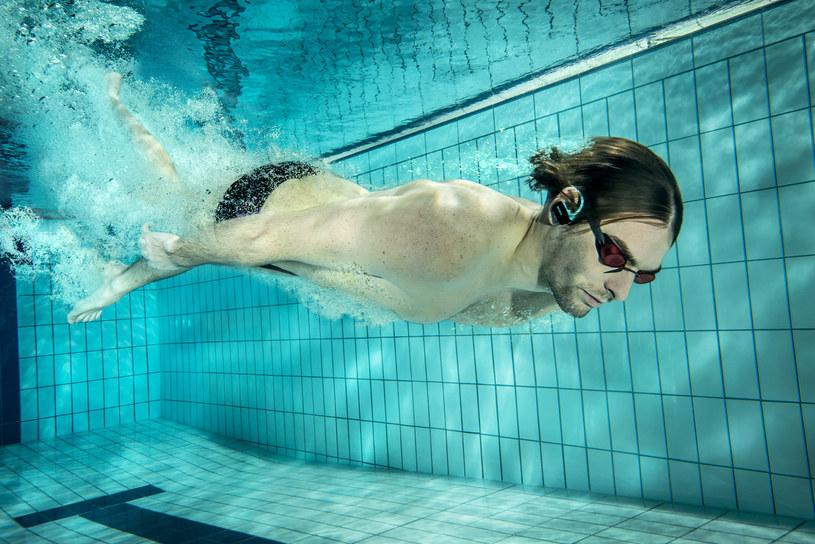 Camille Lacourt, francuski pływak,, trzykrotny mistrz Europy z Budapesztu z 2010 roku - ambasador Walkman NWZ-W273 /materiały prasowe