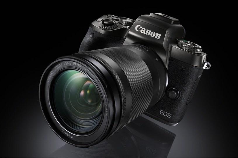 Canon EOS M z obiektywem EF-M 18-150mm f/3.5-6.3 IS STM /materiały prasowe