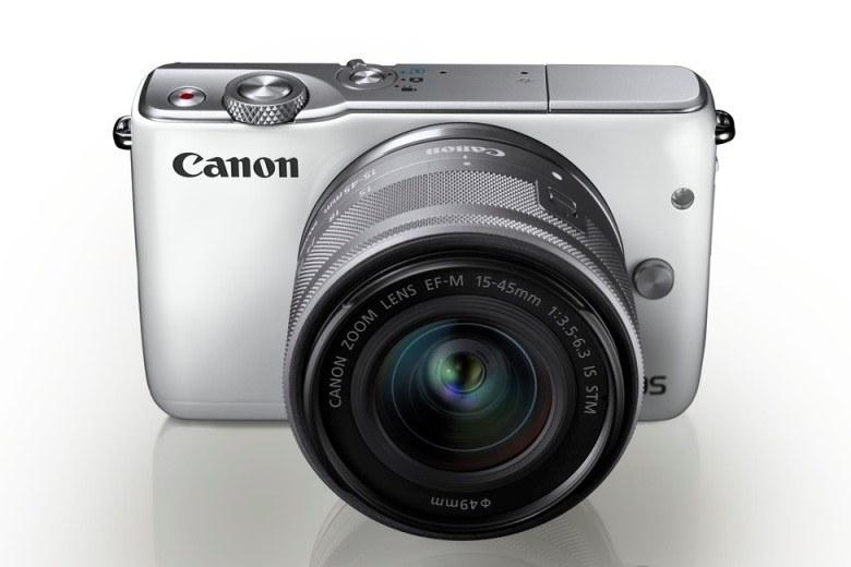 Canon EOS M10 z obiektywem EF-M 15-45mm f/3.5-6.3 IS STM /materiały prasowe