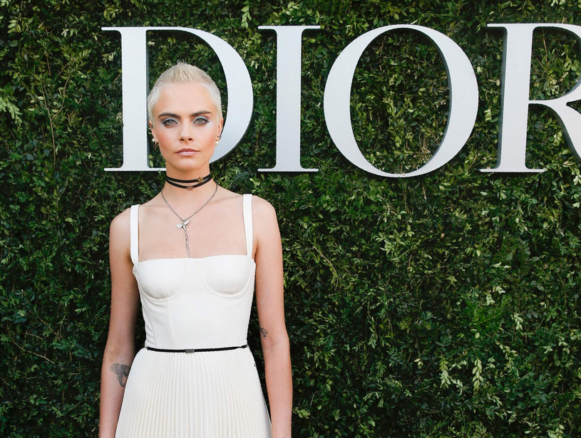 Cara Delevingne często sięga po projekty Diora /East News