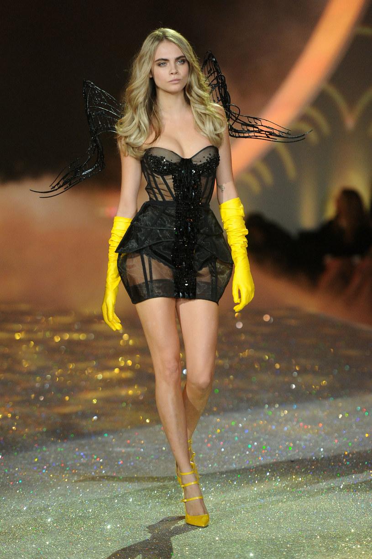 Cara Delevingne pracuje również jako modelka /Jamie McCarthy /Getty Images