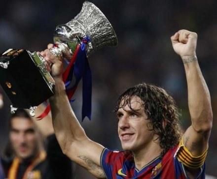 Carles Puyol za swoje zasługi może podpisać nowy kontrakt z Barceloną /AFP