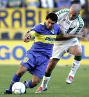 Carlos Tevez nie będzie cieszył swoją grą fanów z Vicente Calderon /AFP