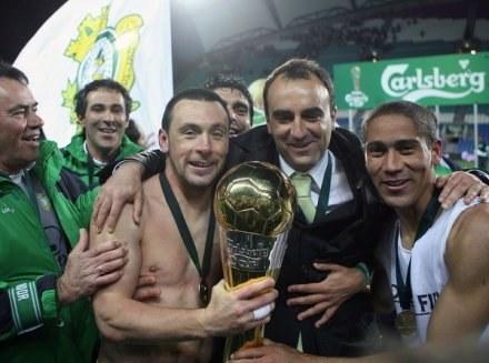 Carvalhal (drugi od prawej) poprowadzi Sporting /AFP