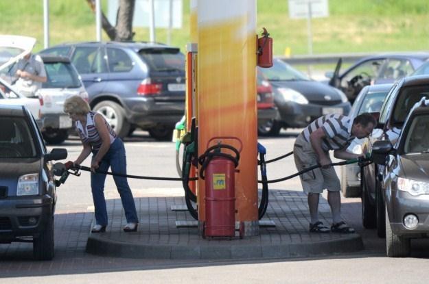 Ceny paliw są bardzo wysokie /AFP