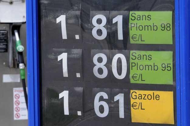 Ceny paliw we Francji /AFP