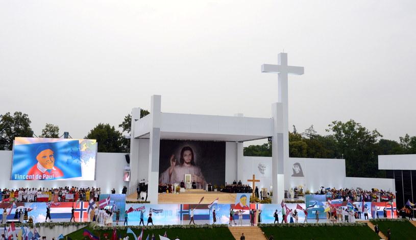 Ceremonia powitalna papieża Franciszka na krakowskich Błoniach /Jacek Turczyk /PAP