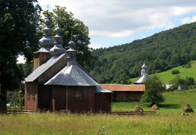 Cerkiew w Bodakach /Krzysztof Hojnacki  /East News