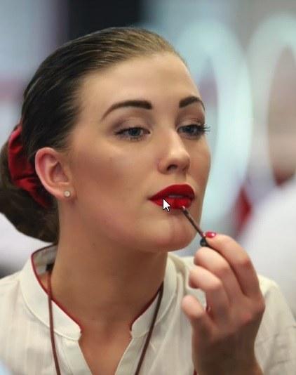 Charakterystyczne dla Dubaju jest użycie eyelinera, który podkreśla oczy /materiały prasowe