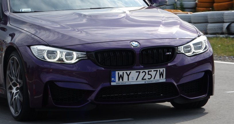 Charakterystyczny grill BMW M3 skrywa potężną chłodnicę /INTERIA.PL