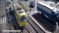 Charków: Weszła prosto pod tramwaj. Straciła nogę