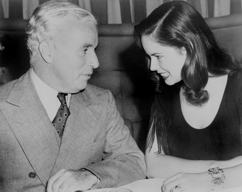 Charlie Chaplin z żoną Ooną rok po ślubie /Everett Collection /East News