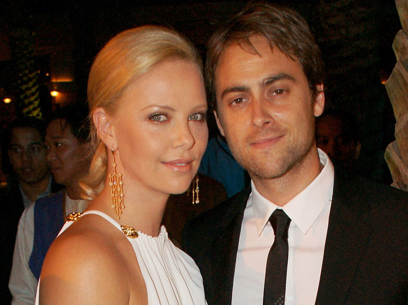 Charlize Theron i Stuart Townsend   /Getty Images/Flash Press Media
