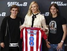 Charlize Theron i Van Diesel spotkali się z piłkarzami Atletico. Wideo