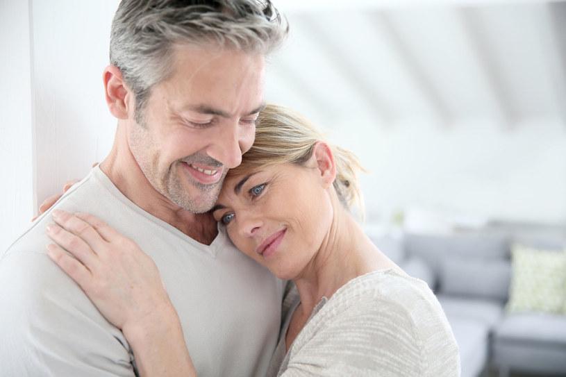Chcesz być przytulana? Sama przytulaj! /©123RF/PICSEL